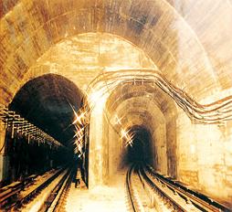 京港澳地下隧道防水工程